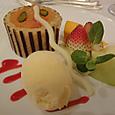 苺とピスタチオクリームのシャルロット